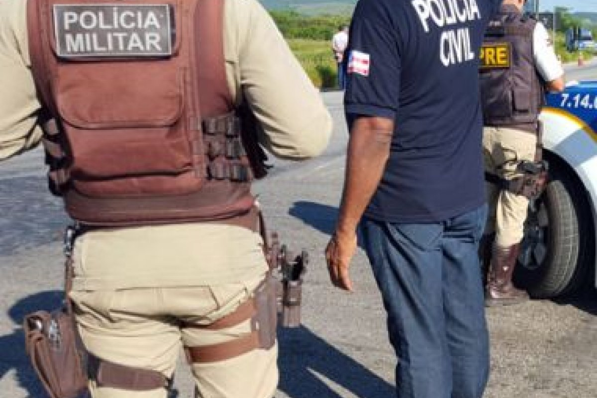 [Suspeito de matar taxista e irmão morre em confronto com policiais no sudoeste da Bahia ]