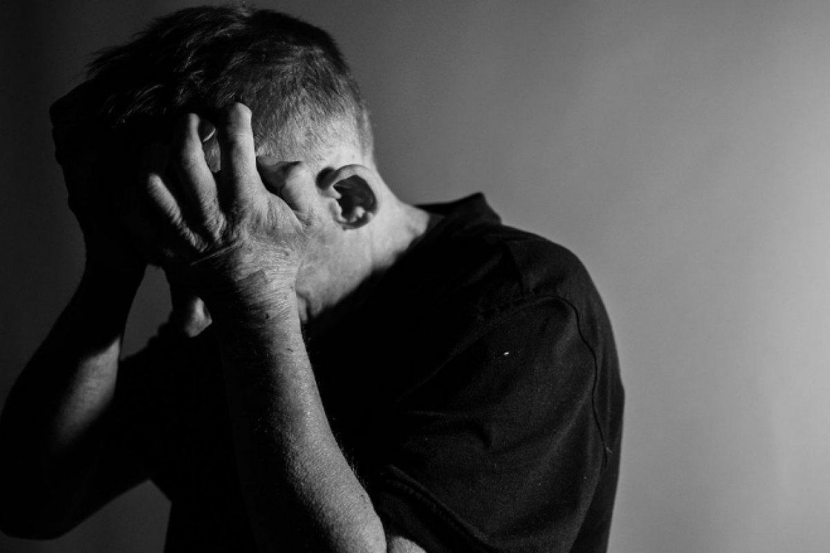 [Uso de medicamento antidepressivo dobrou entre pessoas acima de 65 anos ]