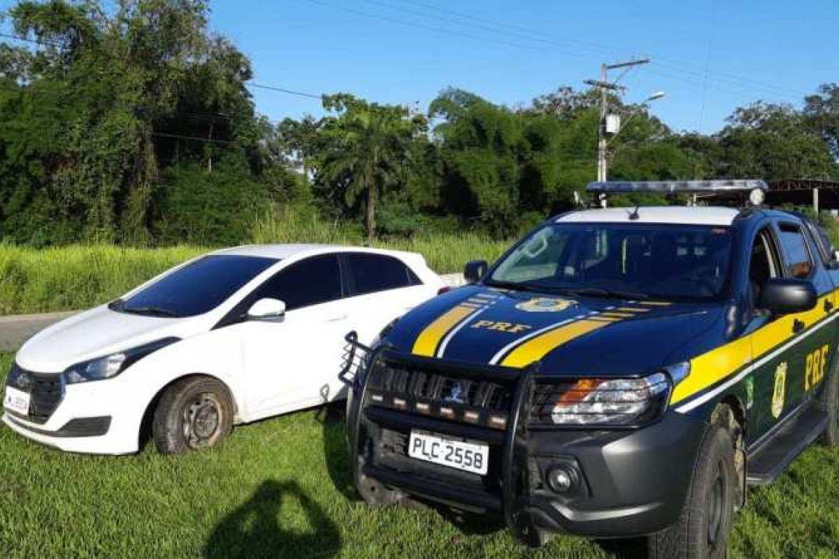 [Veículo roubado é recuperado após motorista causar acidente na BR 101]
