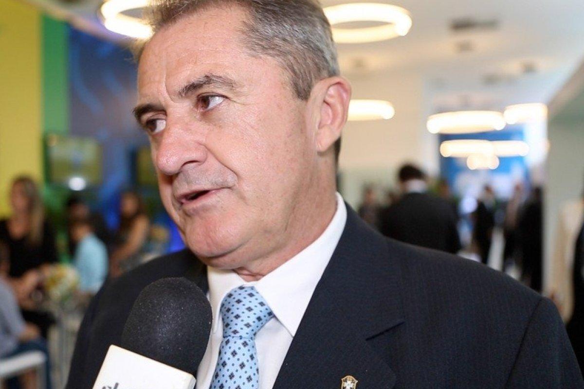 [Vice da CBF aposta que Neymar pedirá licença da Seleção]