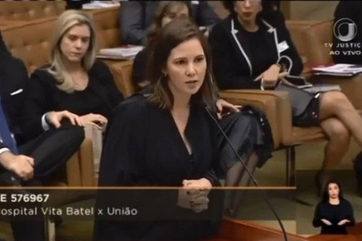 ['Sua Excelência é ela', diz OAB em defesa de advogada que Marco Aurélio corrigiu]