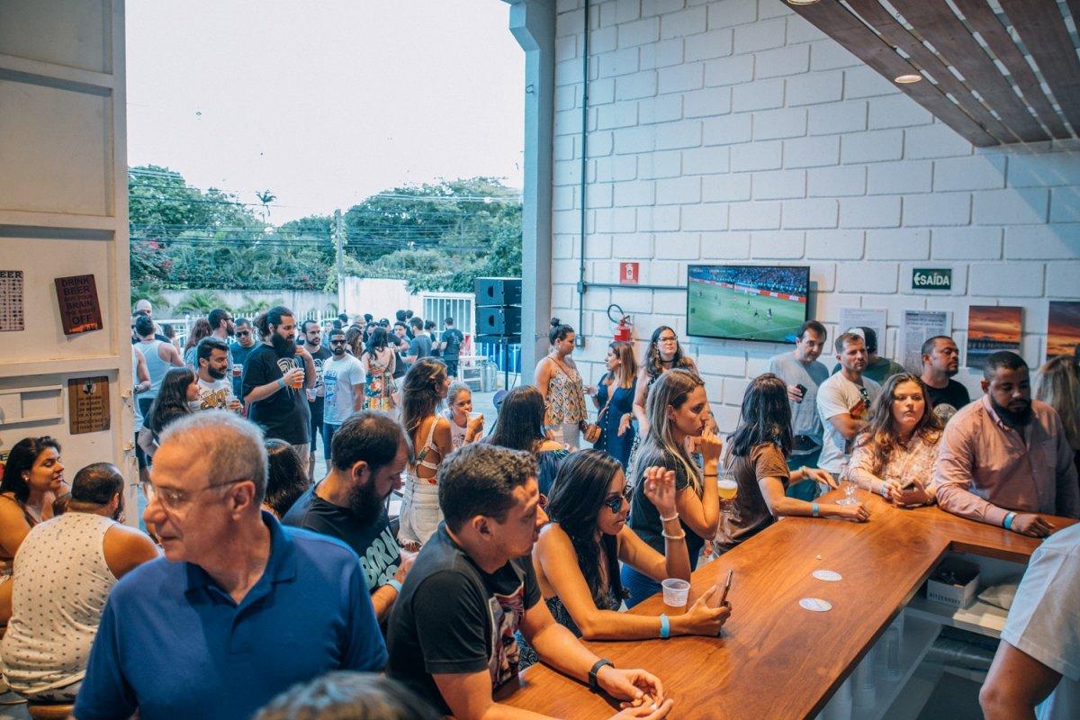 [Festival reúne nove marcas de cervejas e música em Lauro de Freitas ]