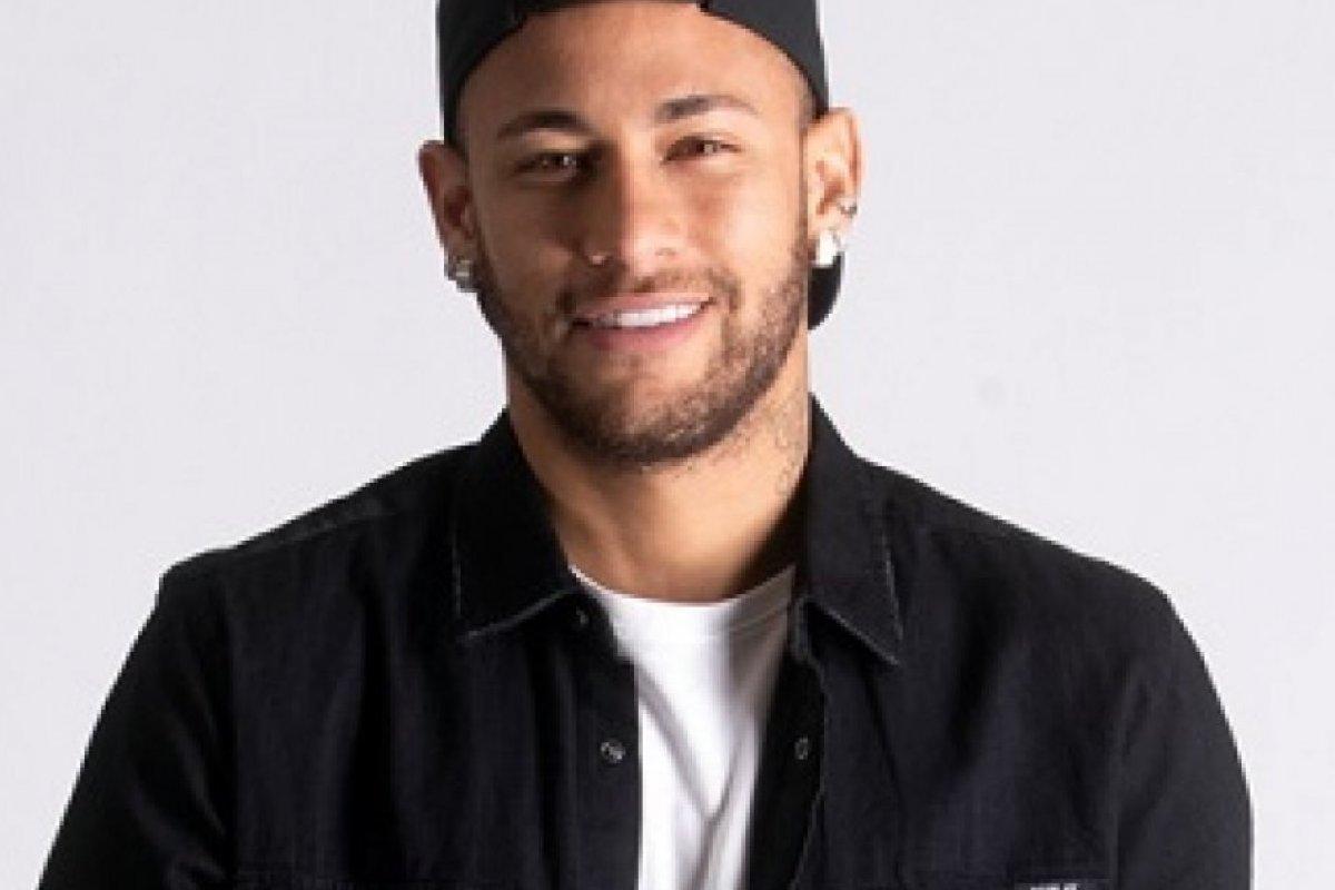 [Após acusação de estupro, Mastercard suspende campanha com Neymar]