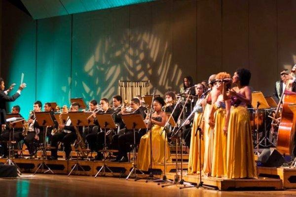 [Orquestra Afrosinfônica apresenta espetáculo gratuito em Itapuã]