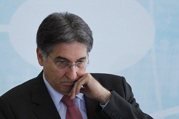 [Ex-ministro Fernando Pimentel é condenado por tráfico de influência e lavagem de dinheiro ]