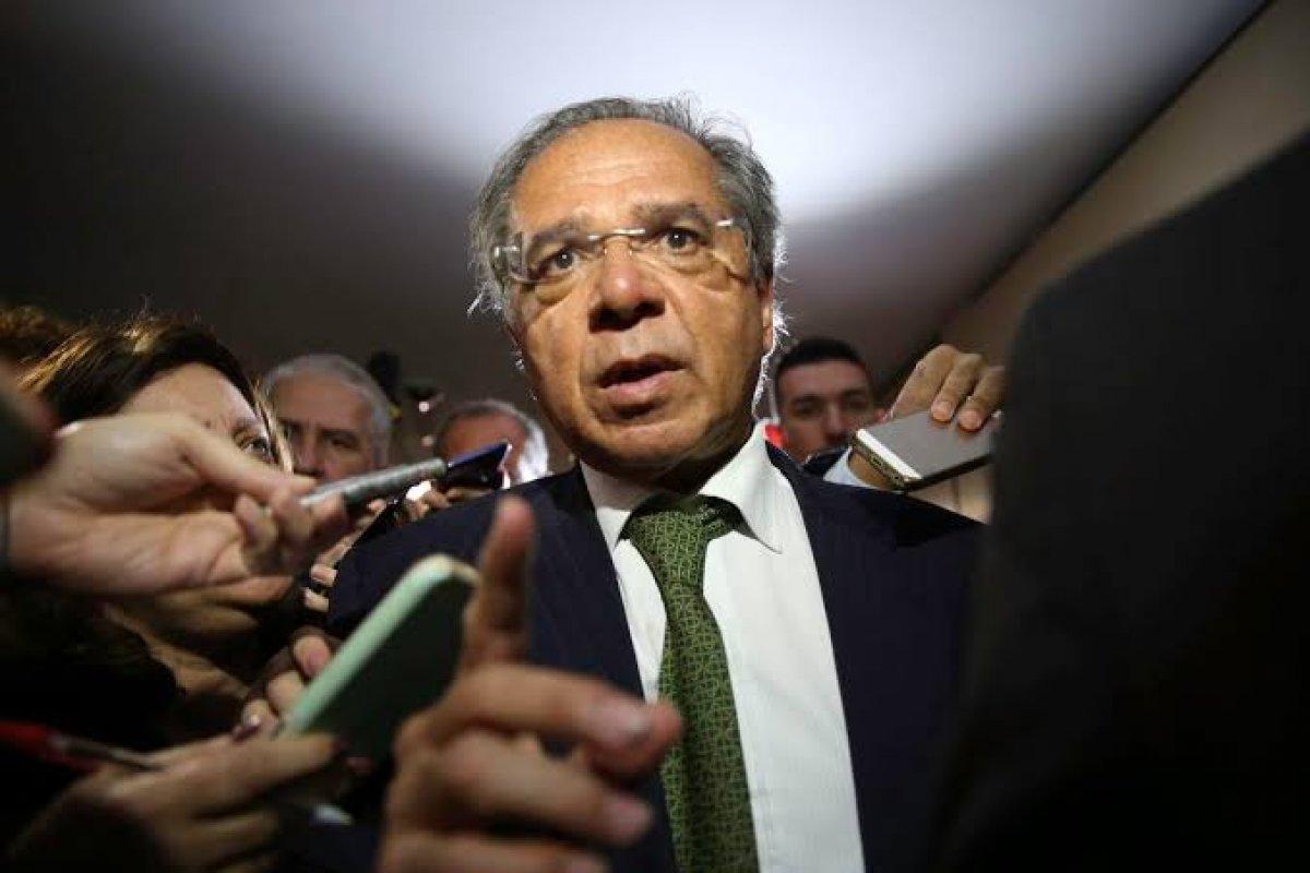 [Paulo Guedes promete taxa de juros a 4% em 2020]