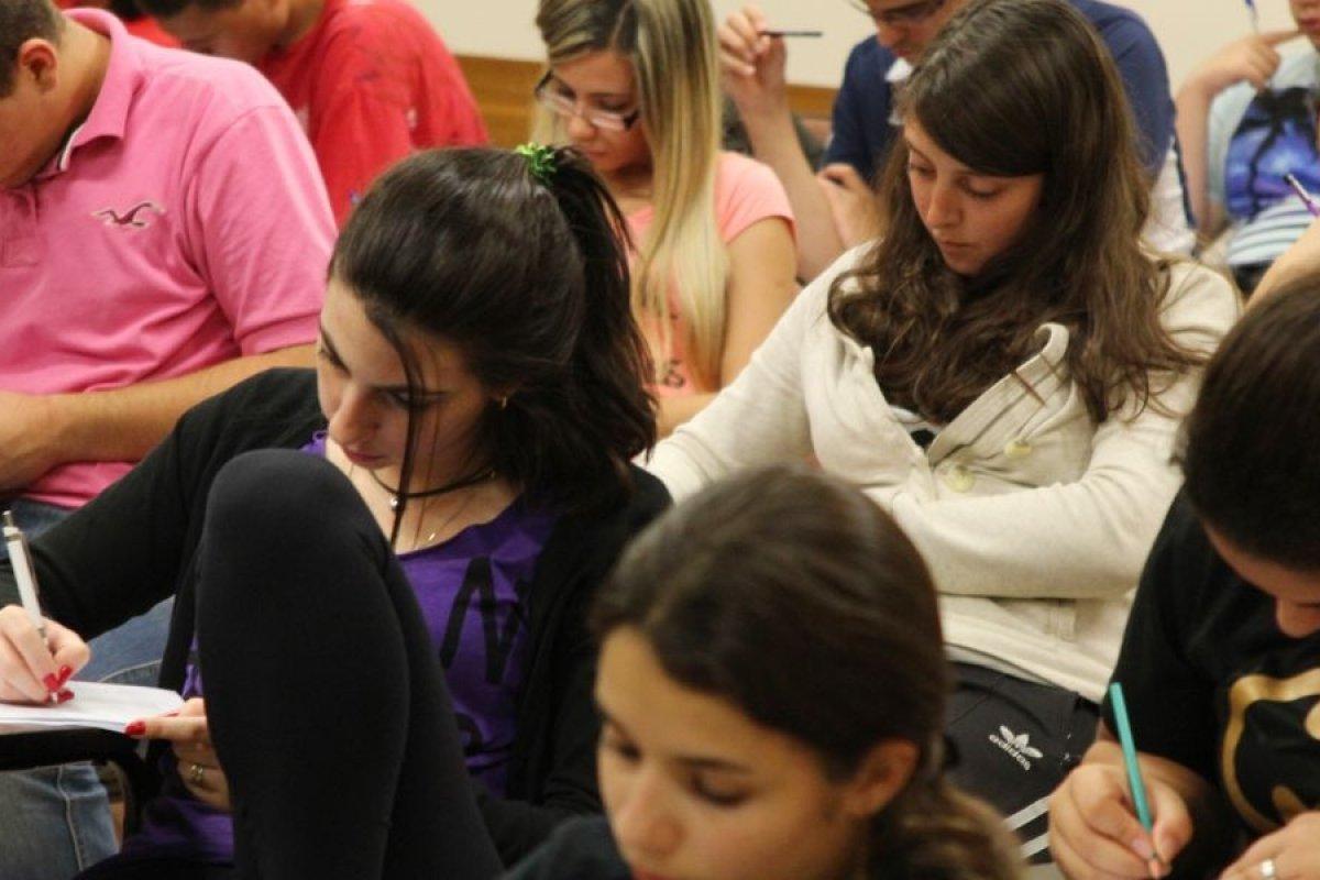 [Programa de preparação para Enem destinada a jovens carentes de Salvador tem inscrições até domingo (9)]