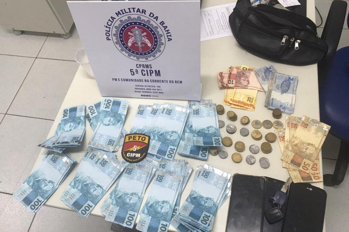 [Trio de MG é preso com R$ 9 mil em cédulas falsas em Mar Grande]