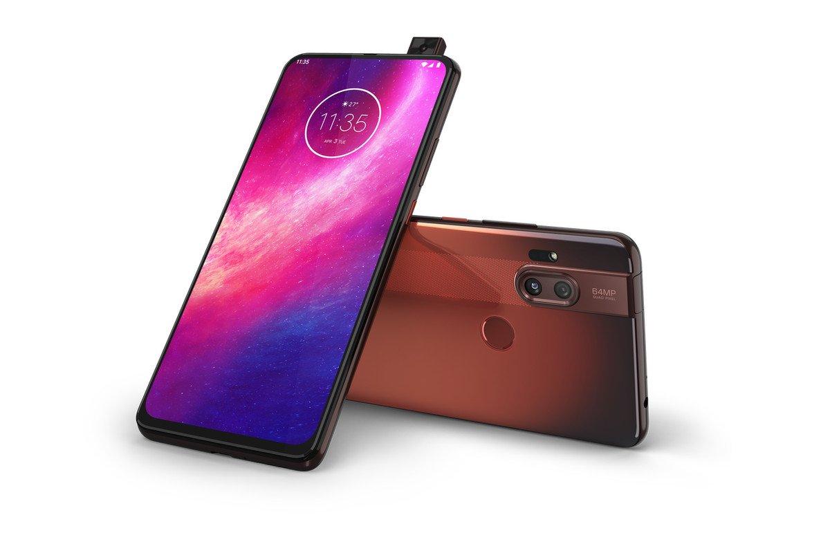 [Motorola lança novos smartphones com câmera deslizante nesta quarta (4)]