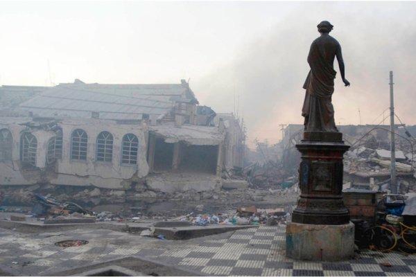 [Cerimônia da ONU homenageia mais de 200 mil haitianos que morrerem em um terremoto]