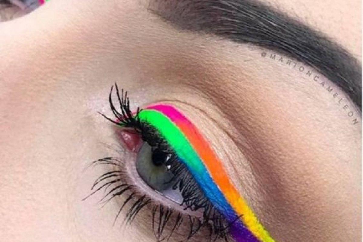 [Maquiagem Néon: O truque para renovar o visual no Carnaval ]
