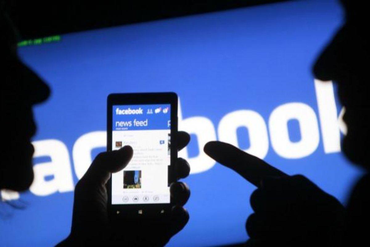[ Empresa do Facebook se preocupa com popularidade do aplicativo TikTok]