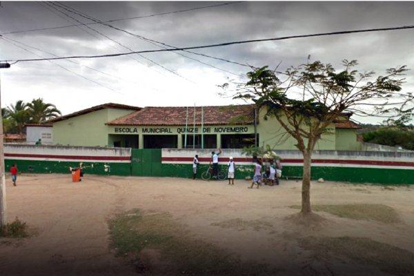 [Primeira escola cívico- militar funcionará ainda este ano em Feira de Santana ]