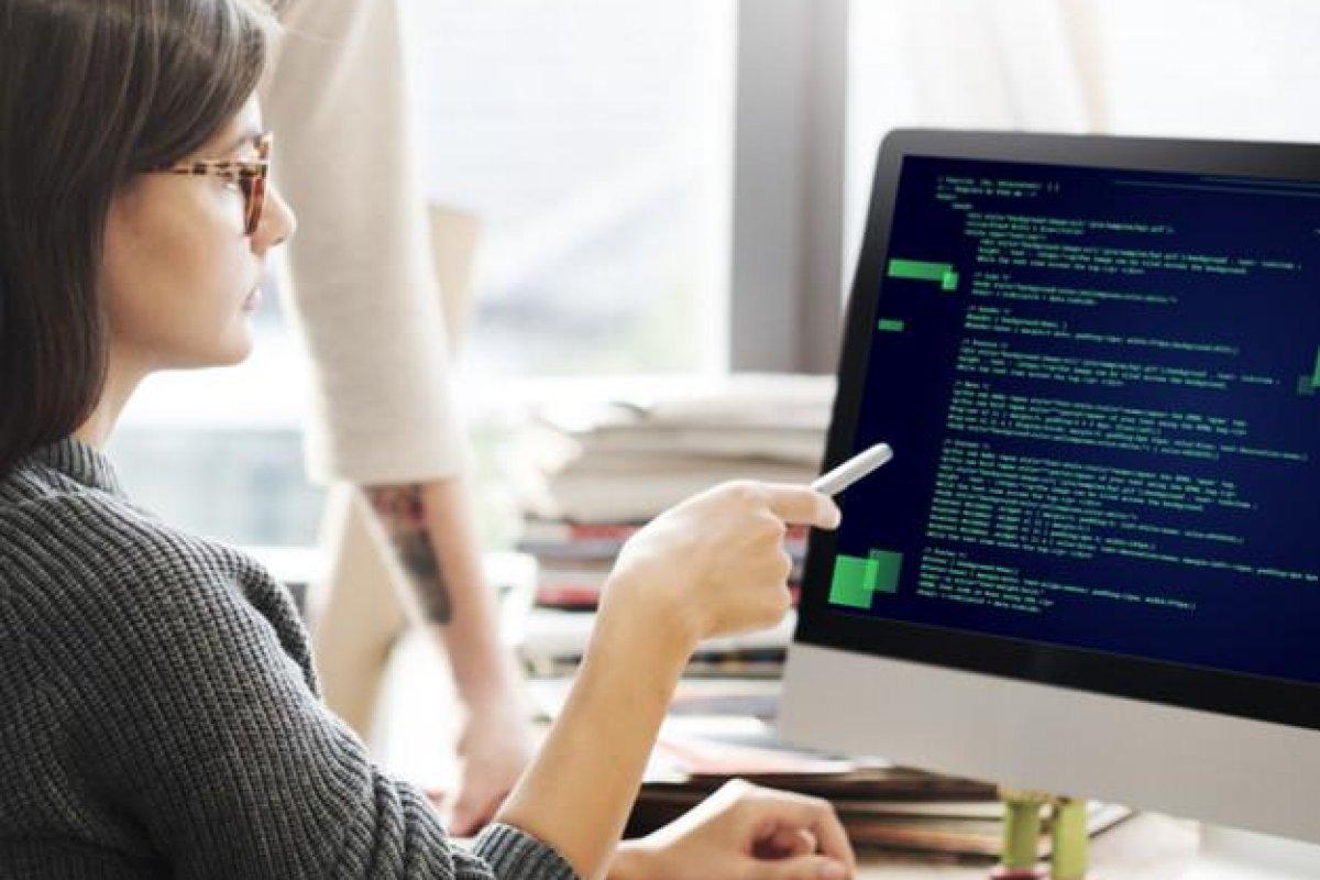 [Curso gratuito de programação facilita o acesso das mulheres ao mercado de tecnologia]