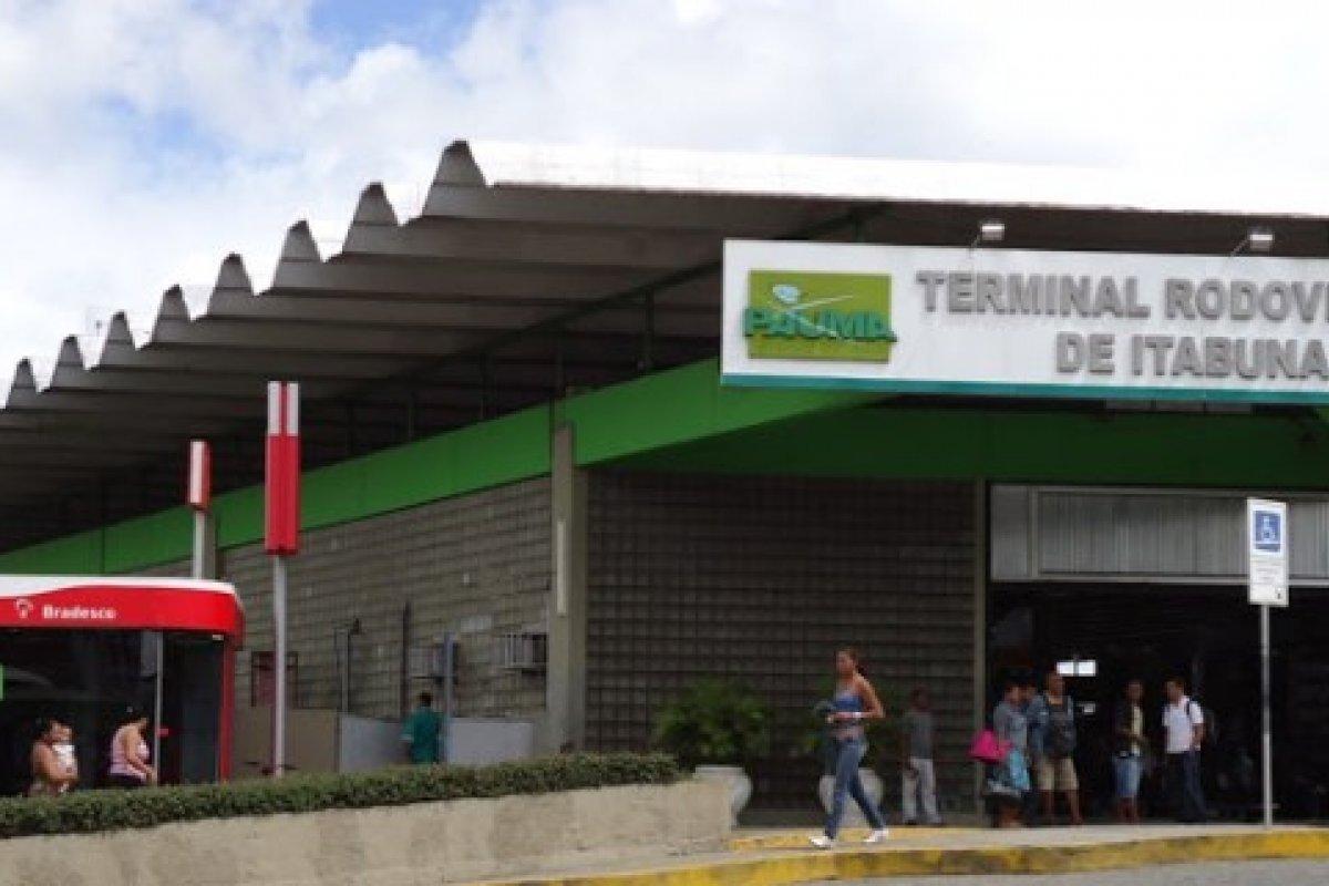 [Rui suspende entrada de transportes coletivos em Ilhéus, Itabuna e Itacaré]