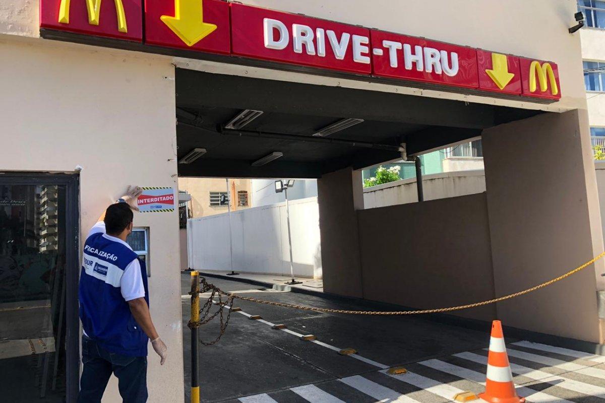 [Rede de fast-food em Salvador é interditada após descumprir decreto da Prefeitura]