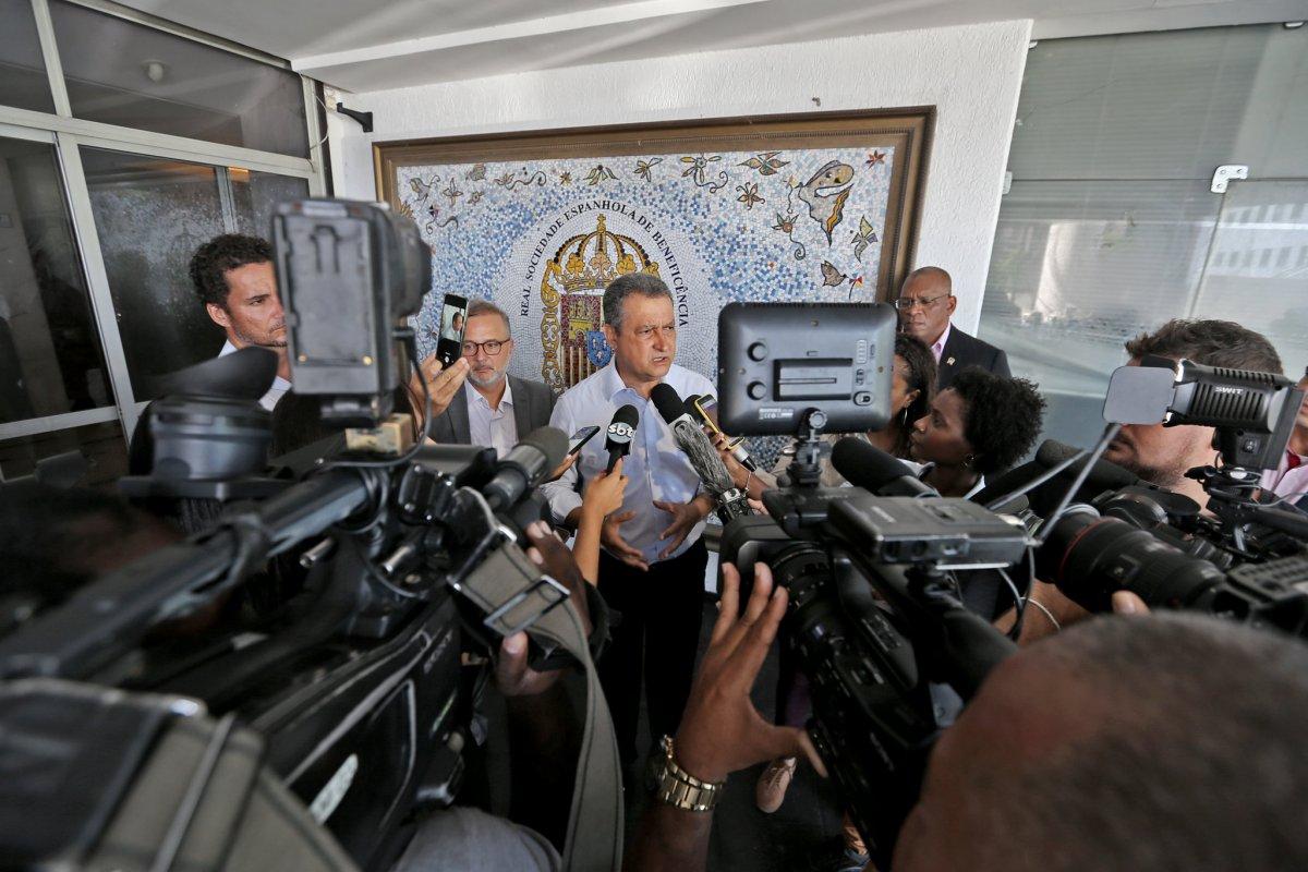 [Governador Rui Costa lamenta realização de manifestação pedindo fim do isolamento ]