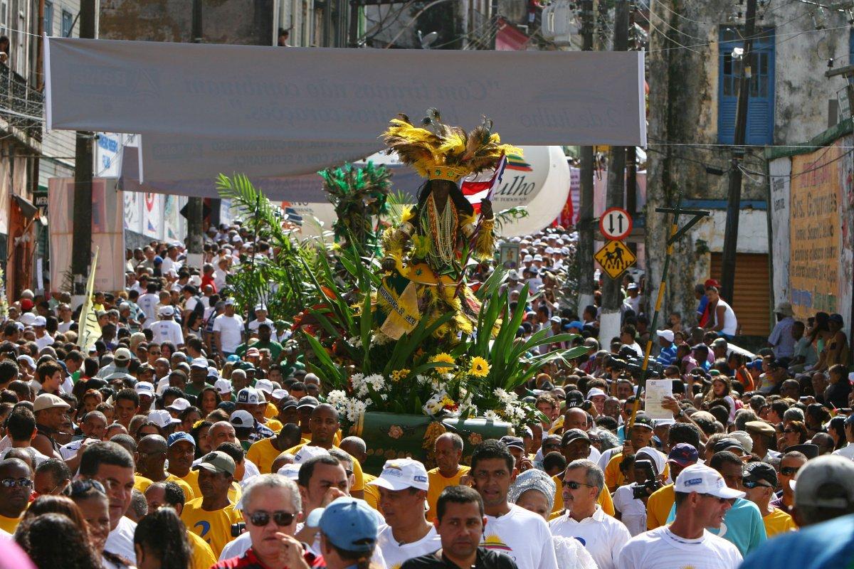 [Confira o que muda no trânsito de Salvador para os festejos do Dois de Julho]