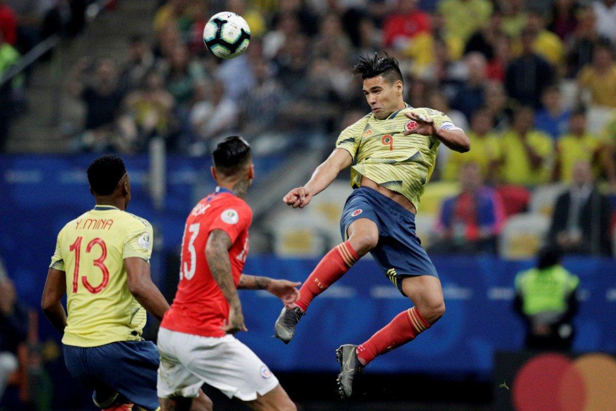 [Chile vence Colômbia nos pênaltis e avança para semifinais da Copa América ]