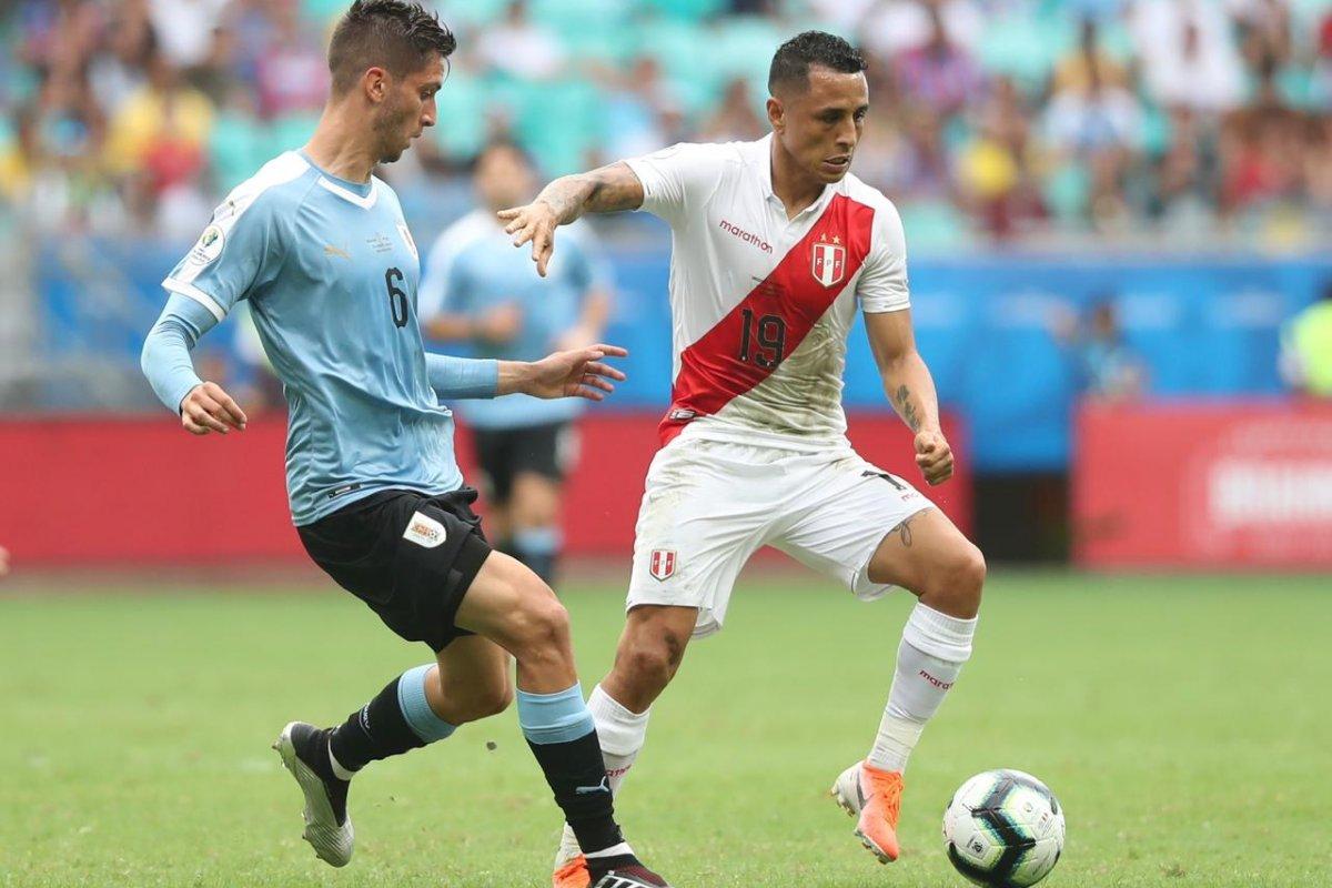 [Na despedida da Fonte Nova, Peru vence Uruguai nos pênaltis]
