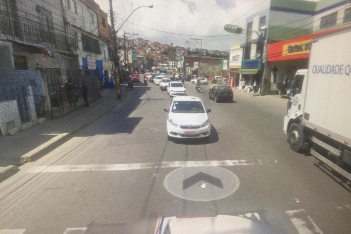 [Acidente envolvendo três carros deixa um ferido na San Martin]