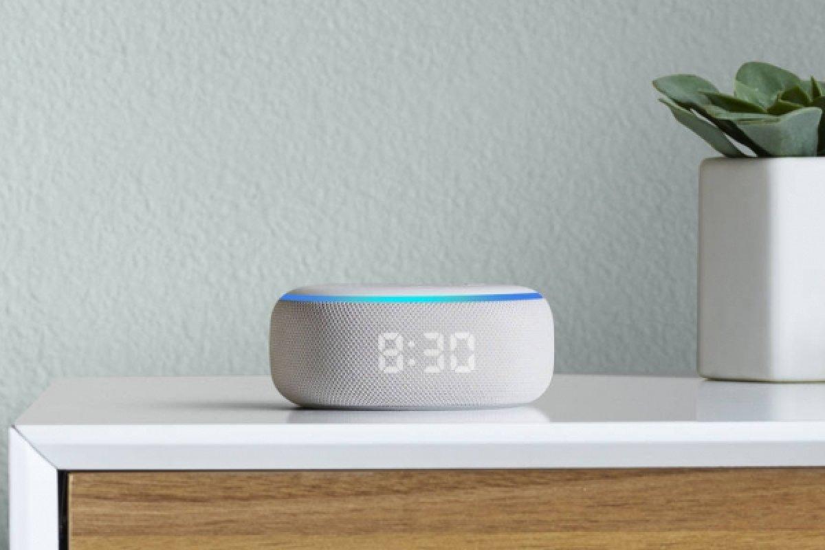 [Brasil: Amazon lança caixa de som conectada Echo Dot com relógio]