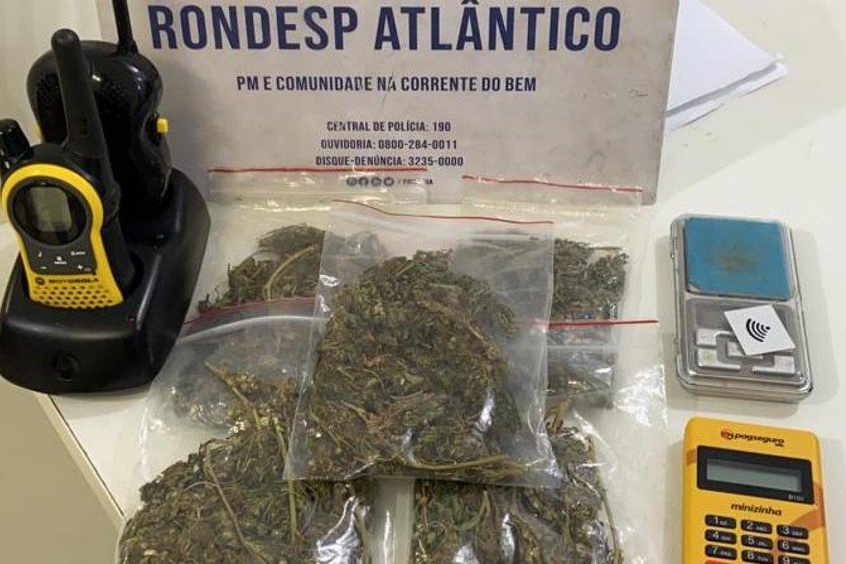 [Jovem é preso após vender drogas por redes sociais]