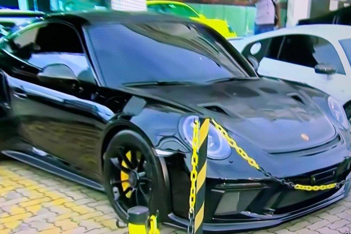 [Polícia Civil e PRF realizam operação contra rachas de carros de luxo no RJ]