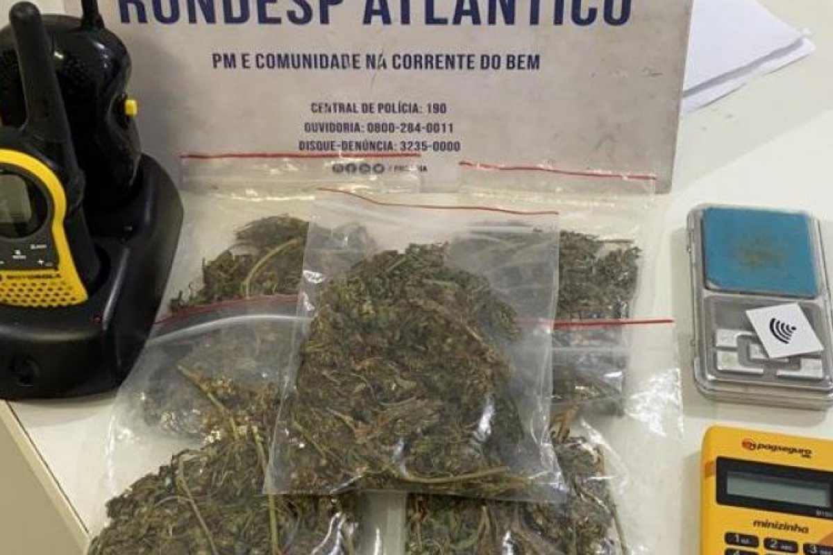 [Suspeito de traficar drogas através das redes sociais é preso no Imbuí]