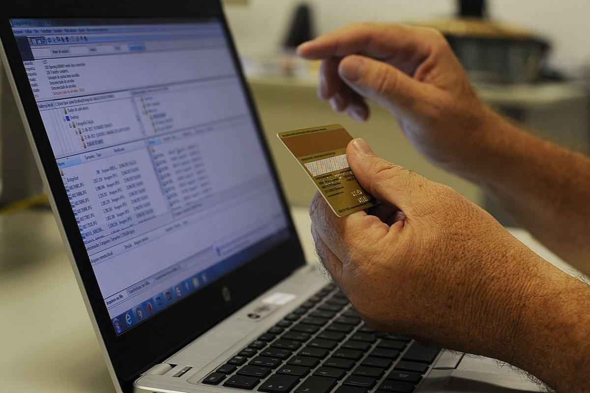 [OMC começa a discutir regras internacionais para comércio eletrônico]