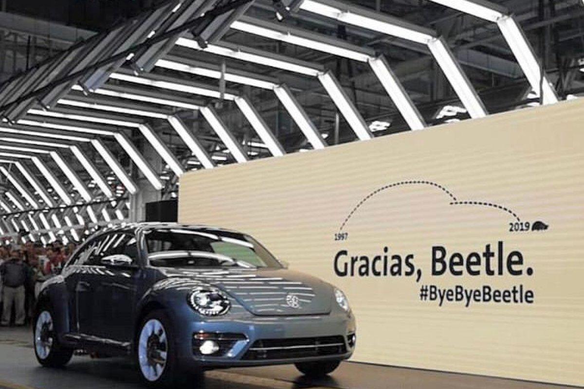 [Volkswagen anuncia último Fusca no México]