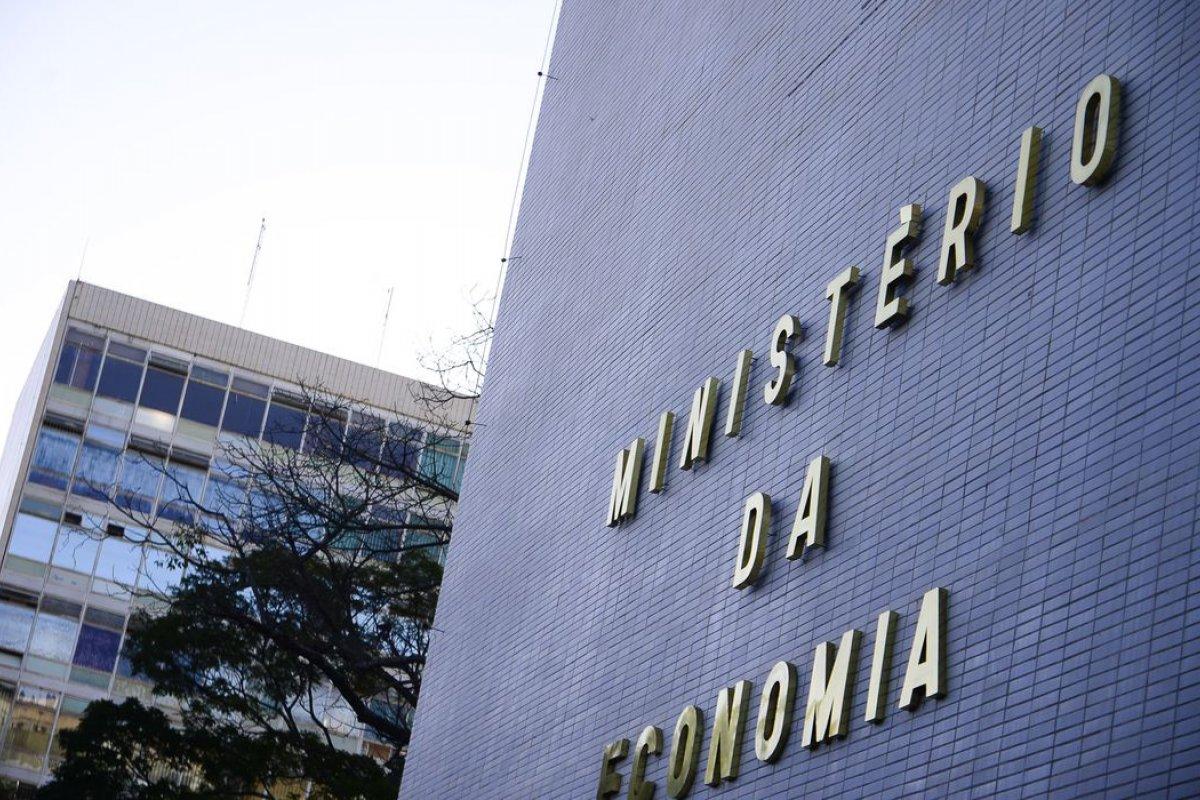 [Ministério da Economia aprova financiamentos de US$ 790 milhões para projetos no Brasil]