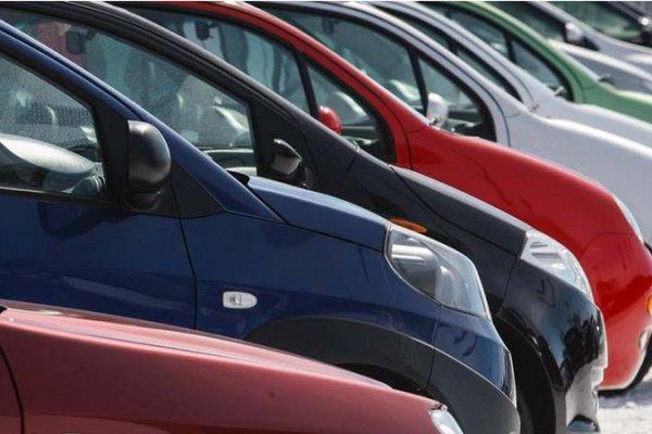 [Vendas de carros por falta de uso saltam 60% durante isolamento social]