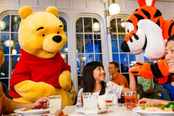 [Disney World começa a fazer reservas para restaurantes dos parques]