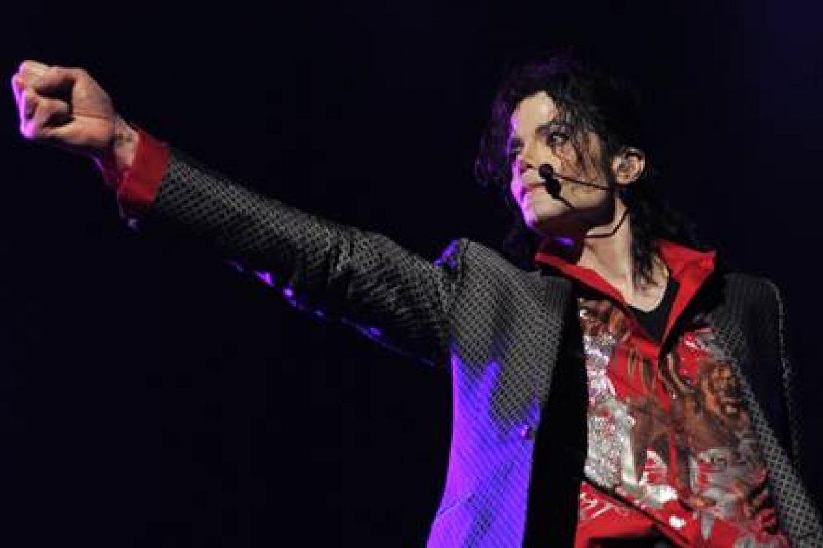 """[Fãs poderão matar a saudade do rei do pop na exibição de """"Michael Jackson's This is It"""" no Film & Arts]"""
