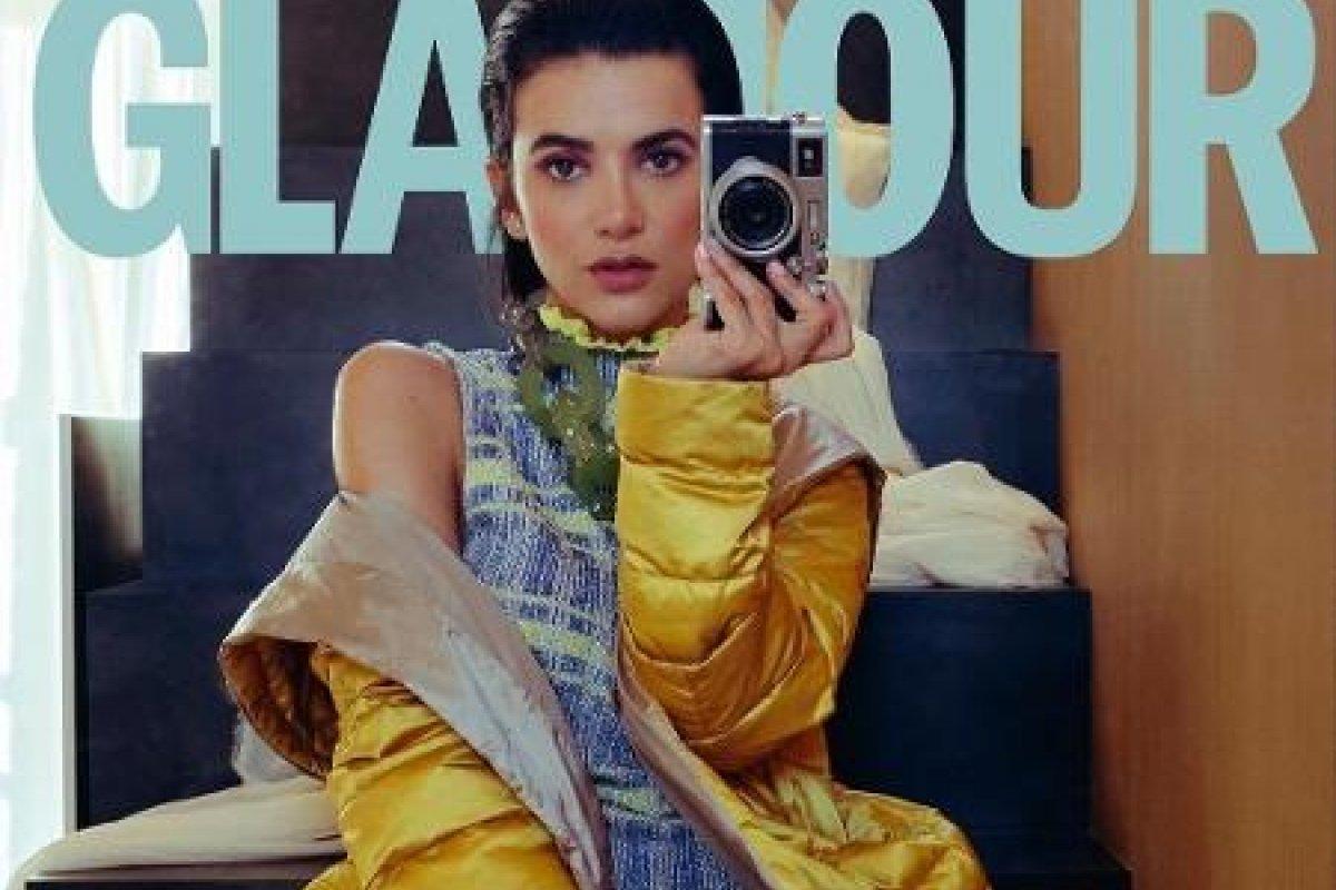 [Em clima de isolamento social, Manu Gavassi realiza ensaio para a Revista Glamour ]