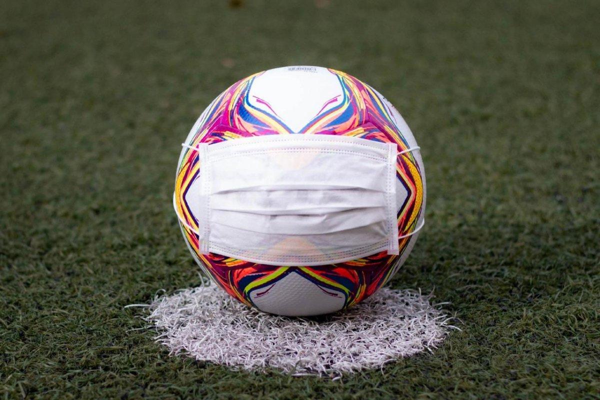[Futebol: voltar ou não voltar?!]
