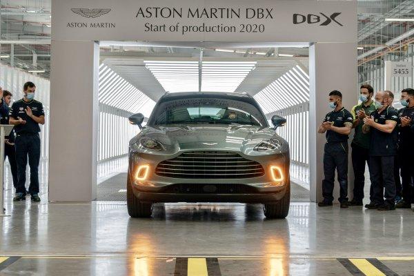 [Aston Martin inicia fabricação do luxuoso DBX no Reino Unido: conheça]