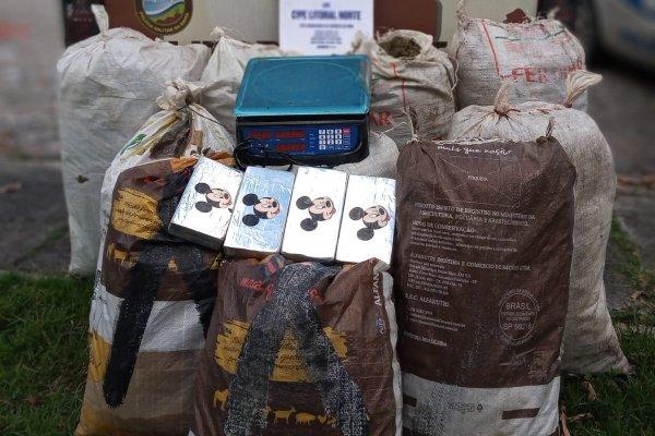 [Drogas escondidas dentro de dez sacos de linhagem são encontradas no sul da Bahia]