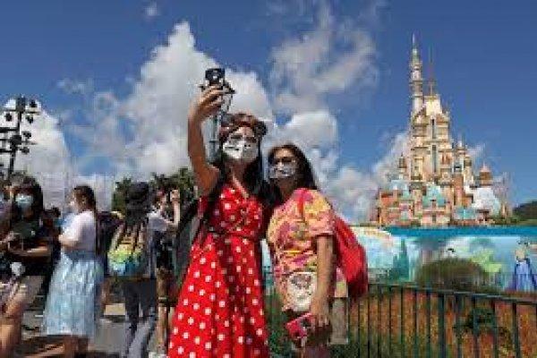 [Hong Kong Disneyland volta a fechar por causa da covid-19]