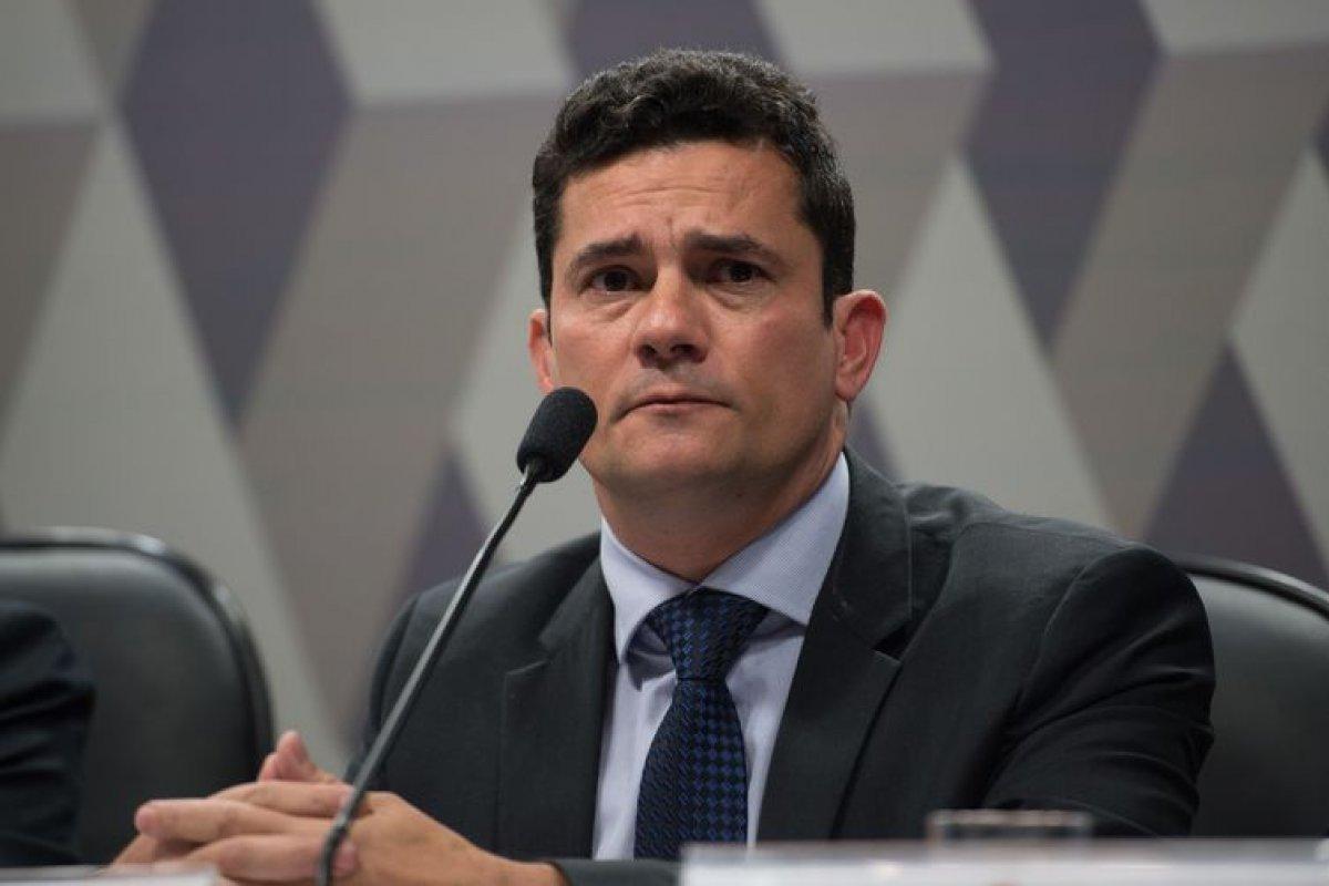 [Delegado da PF investigado por recebimento de propina é demitido por Sérgio Moro]
