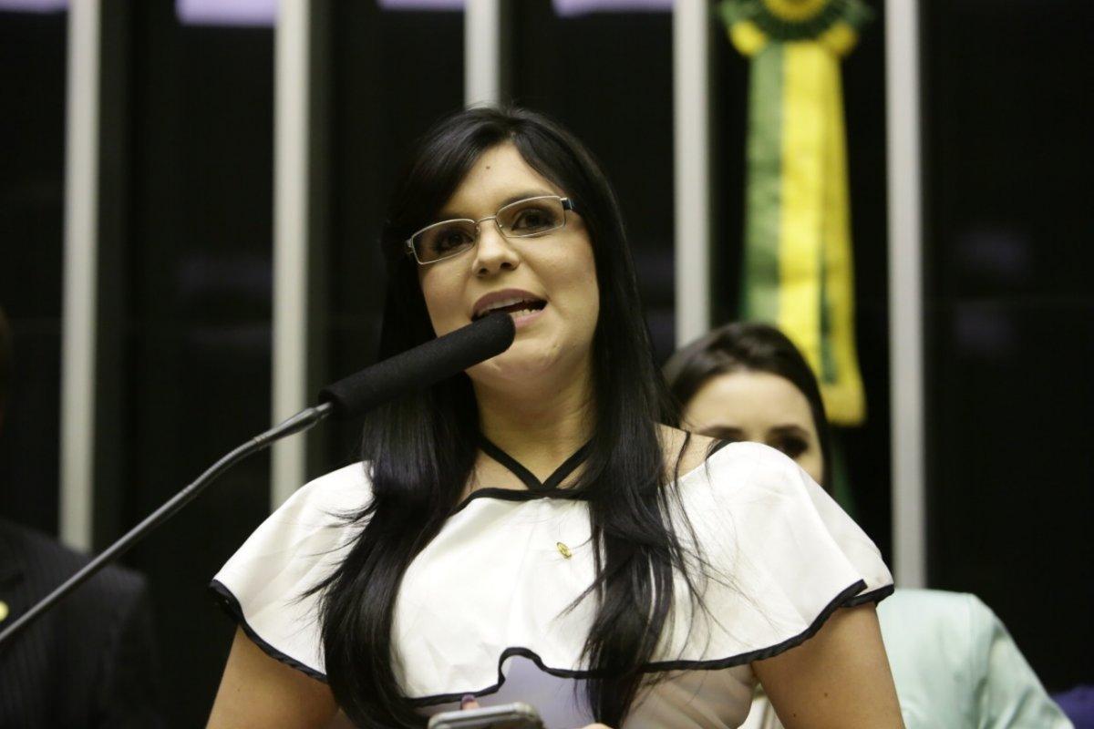 [Dayane Pimentel diz que Bolsonaro não vende ilusão com proposta de reforma da Previdência]