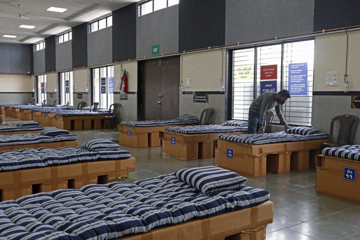 [Covid-19: Empresário indiano converte escritório em ala hospitalar para tratar pacientes]
