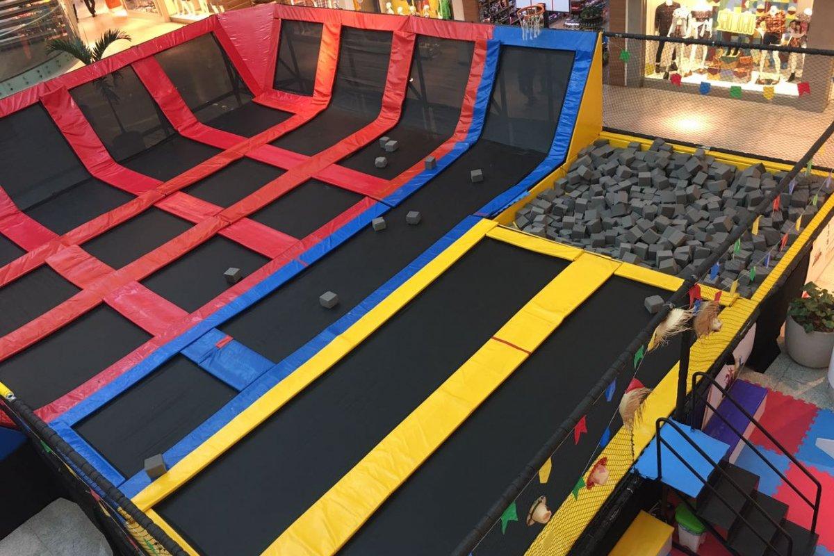 [Shopping de Salvador recebe parque de camas elásticas e trampolins]