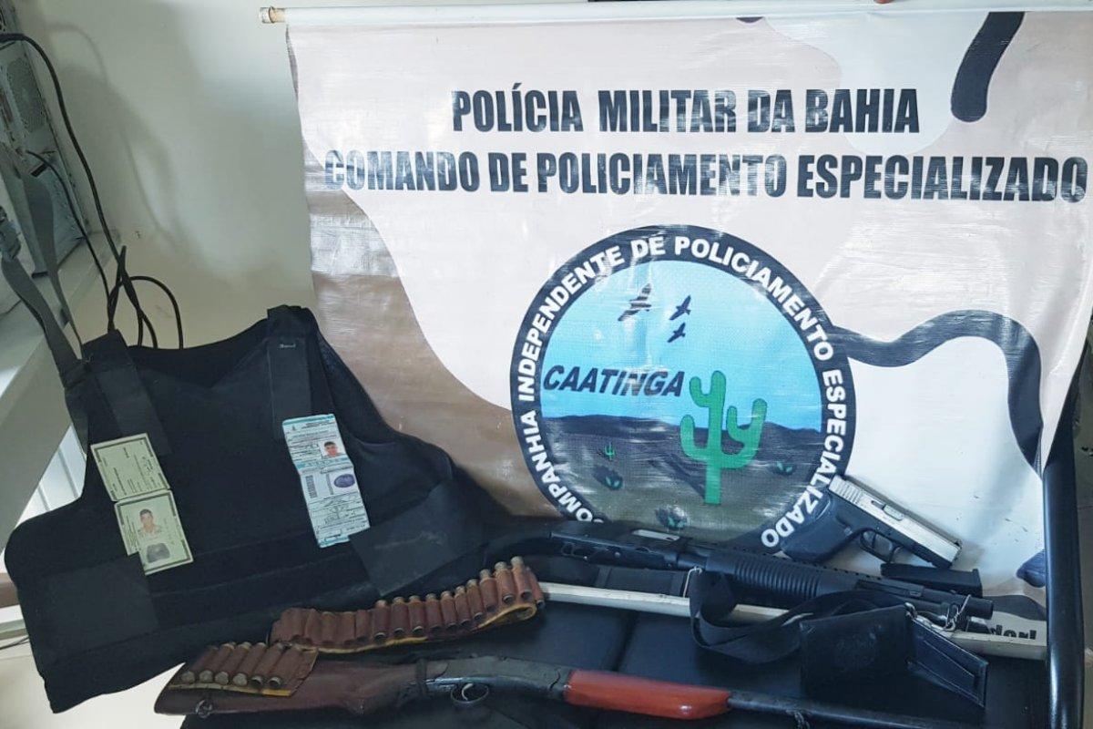 [Homem é preso após se passar por policial no município de Uauá]