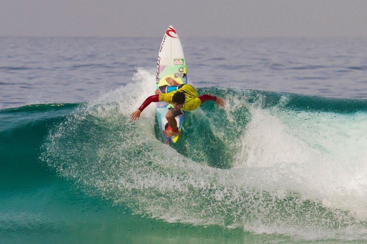 [Medina é campeão da etapa sul-africana do mundial de surfe]