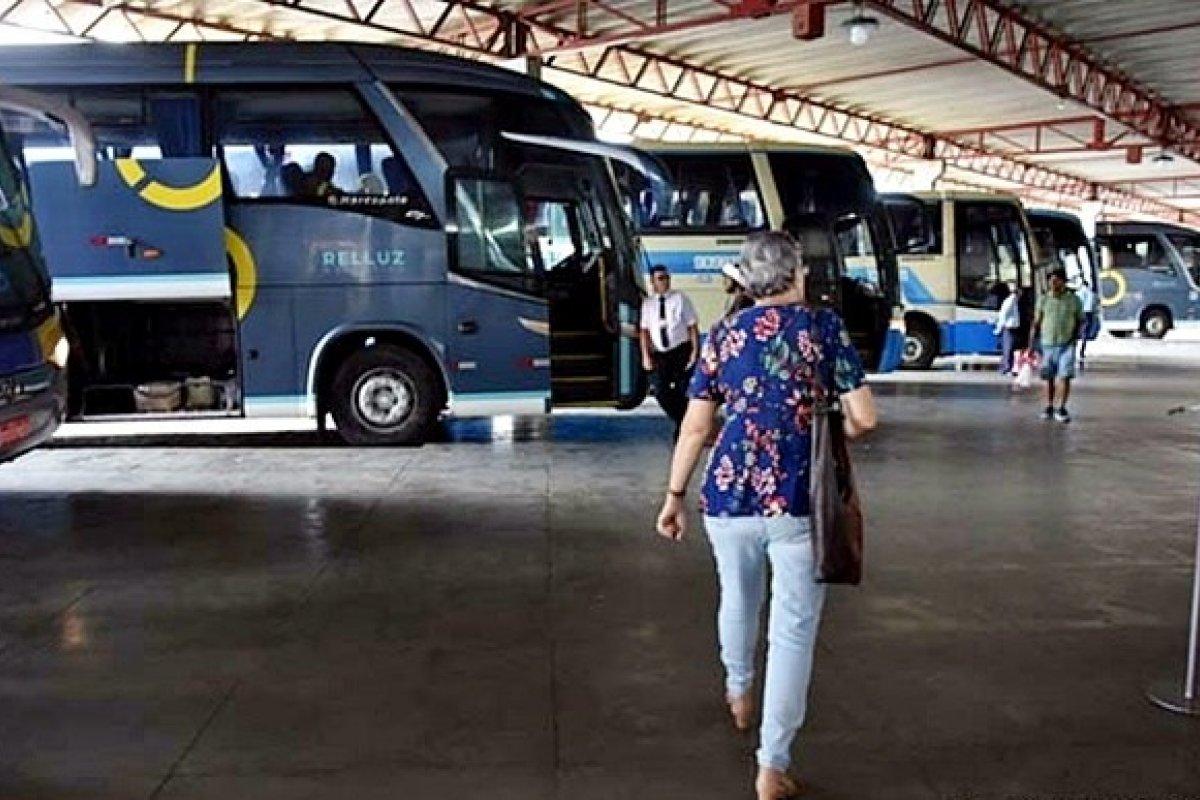 [Mais seis municípios estão com transporte suspenso na Bahia ]