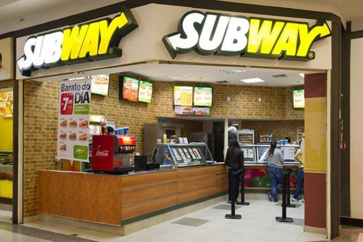 [Justiça condena Subway a indenizar consumidoras por intoxicação alimentar ]