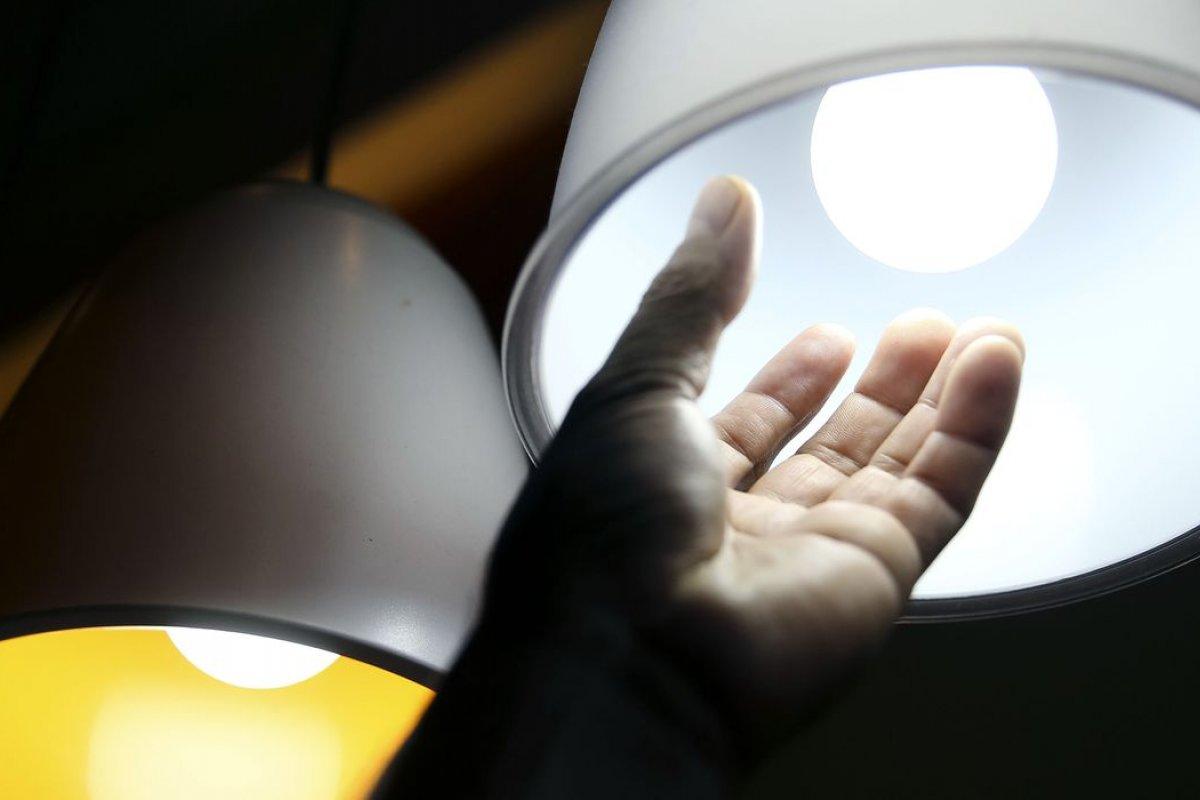 [MP para reduzir conta de luz no Norte e Nordeste é preparada por Bolsonaro ]