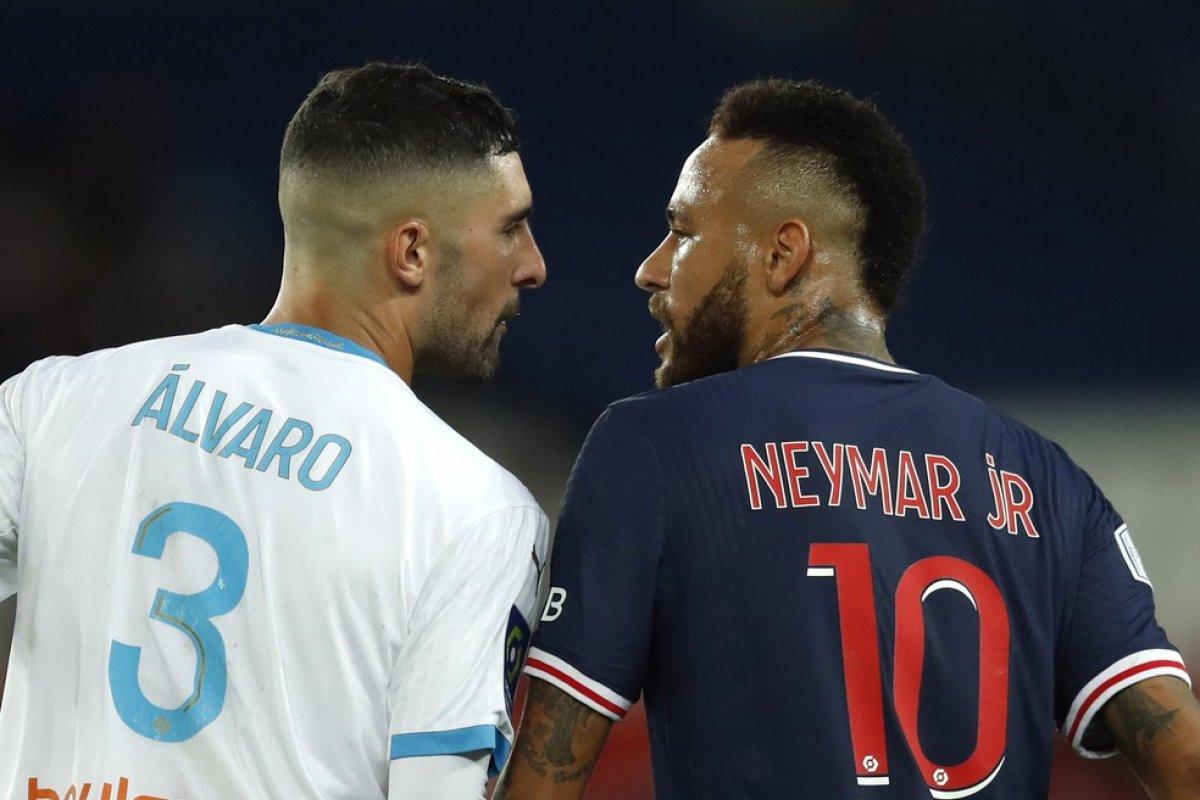 [Neymar é suspenso por dois jogos após expulsão polêmica contra o Olympique de Marselha]